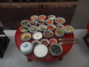 Salah satu display museum...ini ceritanya makanan raja Korea :D
