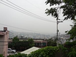Pemandangan yang gue liat dari parkiran Seoul Central Mosque
